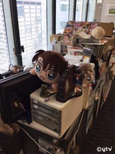 YTV東京支社、諏訪のデスクの様子です。この窓際でがんばってきました(^-^;