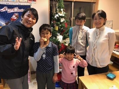 小加本さん家族と.jpg